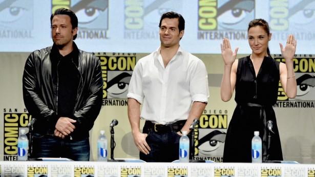 Ben Affleck, Henry Cavill e Gal Gadot na Comic Con 2015 (Foto: Reprodução)