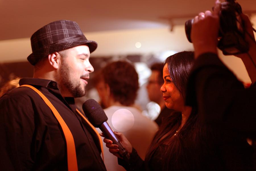 Claudia Cristina entrevista Tiago Abravanel (Foto: Nair Barros - ClaCrideias)