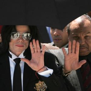 Michael+Jackson+Hospitalized+nHeECwDnngkl