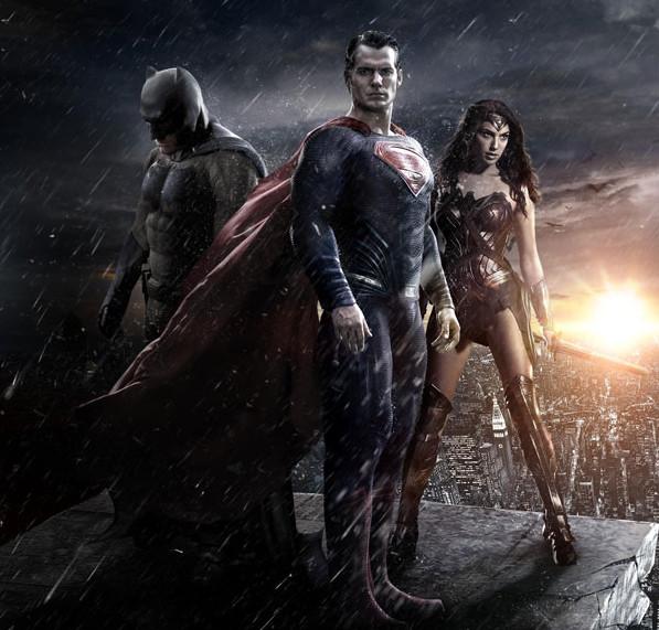 Batman, Superman e Mulher Maravilha vão aparecer juntos em março de 2016 (Foto: Reprodução)