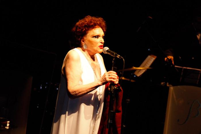 Bibi Ferreira danta Sinatra (Foto: divulgação)
